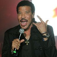 Lionel Richie is the latest singer to immortalize his handprints