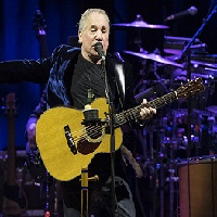 In the blue light de Paul Simon, le nouvel album du chanteur de folk rock