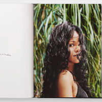 The Bajan singer Rihanna launched her autobiography book!